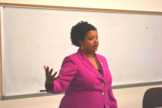 Academics-Political-Science-Senator-Maria-Chapelle-Nadal-4