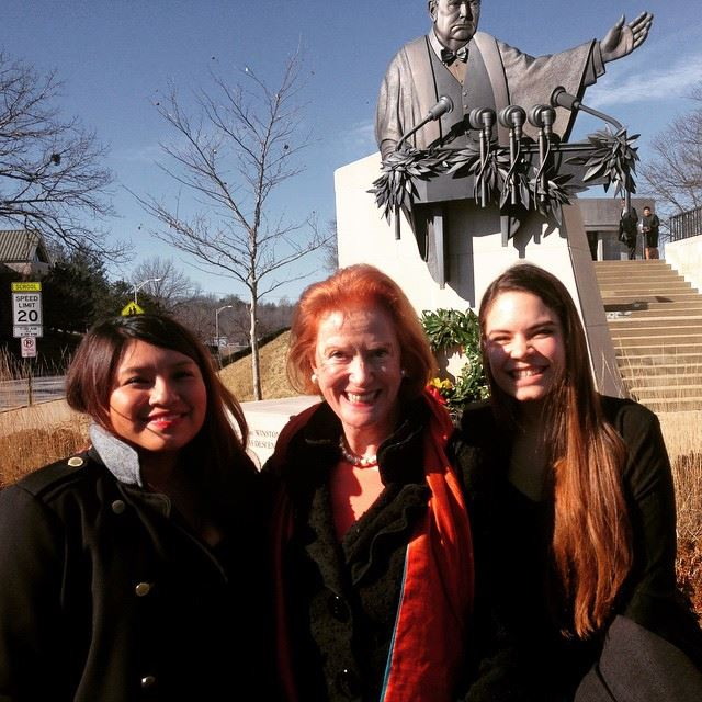 Students Jennyfer Larios Martinez (left) and Lorena Greenwood (right) meet Churchill's granddaughter Edwina Sandys.
